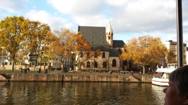 Frankfurts älteste Kirche: Sankt Leonhard