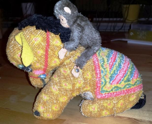 Esel und Affe