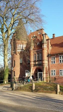 Schloss Bergedorf, Eingangstor