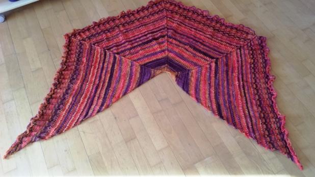 gestricktes Tuch, Farbverlaufswolle