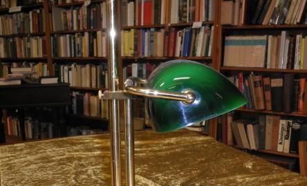 Buchhandlung Schutt, mit Bankers Lamp