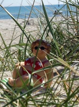 Die dicke Dame am Strand