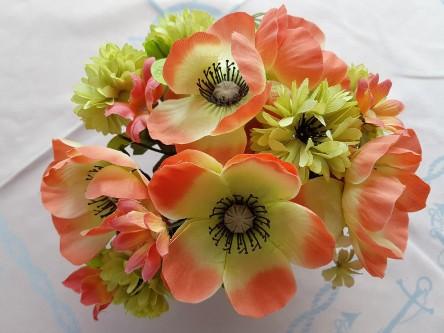 Plastikblumen, Dekoration