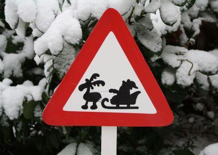 Verkehrsschild Weihnachtsmann im Schlitten