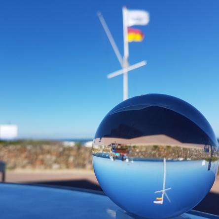 Ostsee bei Damp mit Fahne, Kugelfoto