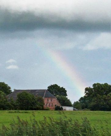 Regenbogen, Bauernhaus