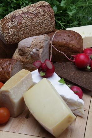 Brot, Käse, Radieschen