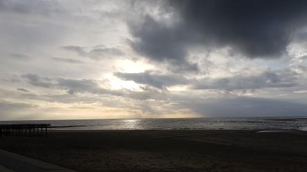 Wind, Wolken und Meer