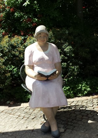 Tante Lotte, Park der Gärten