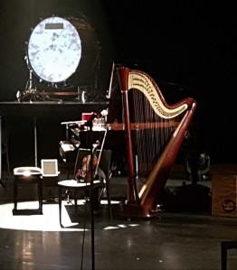 Bühne, Instrumente, Harfe
