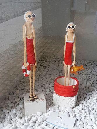 Zwei Statuetten